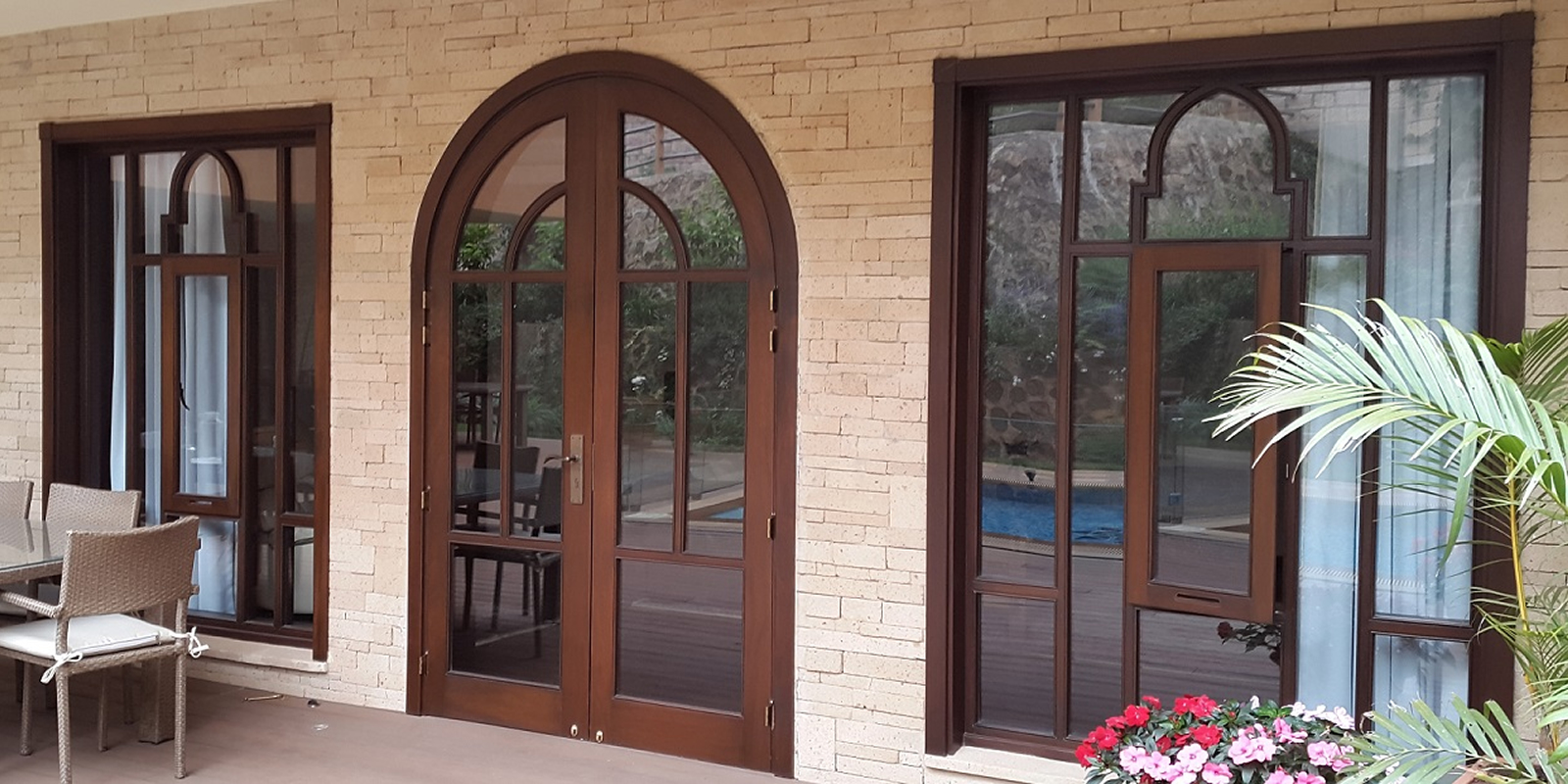 shahtimber-homeslides-1600×800-strong-stylish-wooden-windows-frames-kenua-eastafrica-africa